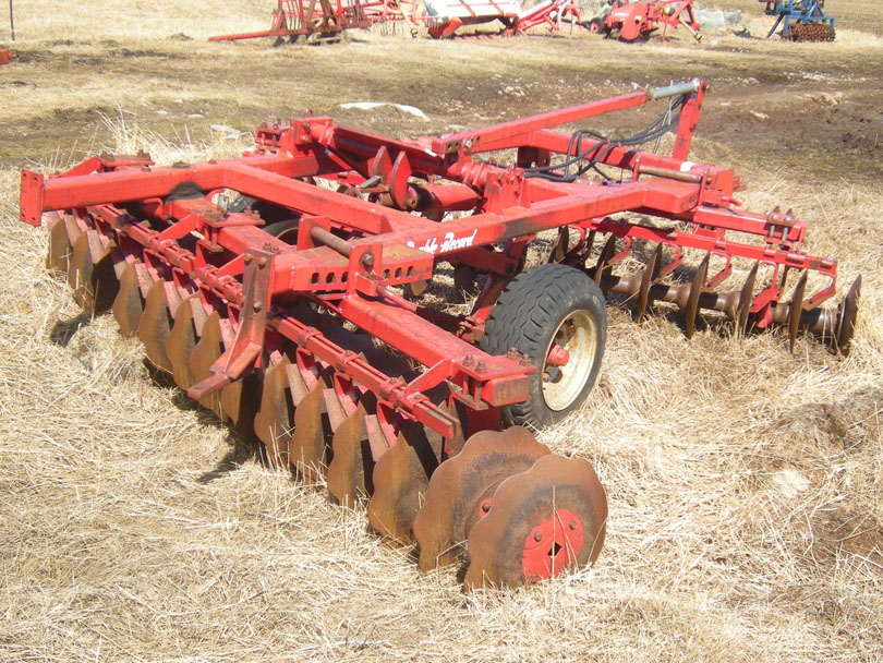 Ipiutaq guest farm, disc harrow