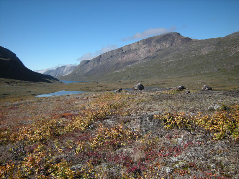 Ipiutaq guest farn, steppes towards the valley Ilua