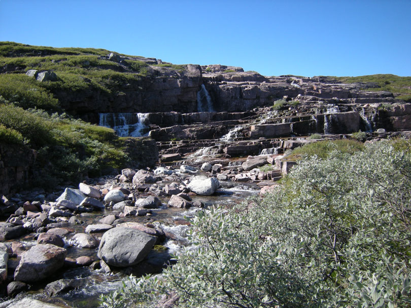 Ipiutaq guest farm, waterfall on Ilua river